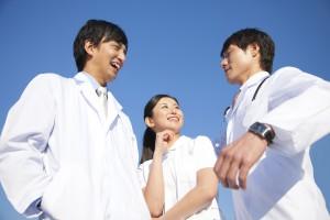 白衣クリーニング|蓮田のクリーニングブラック&ホワイト